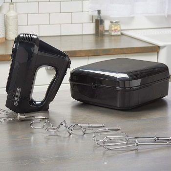 hand-mixer-with-storage-case
